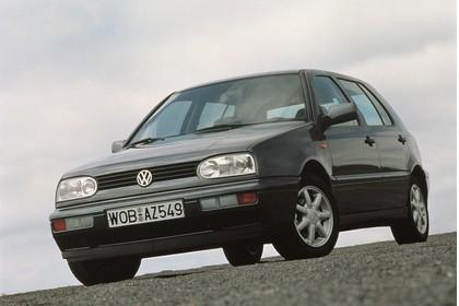 VW Golf 3 Aussenansicht Front schräg statisch grau
