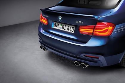 ALPINA B3 S BITURBO F30 Aussenansicht Heck schräg statisch Studio blau