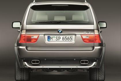 BMW X5 E53 LCI Aussenansicht Heck statisch Studio braun