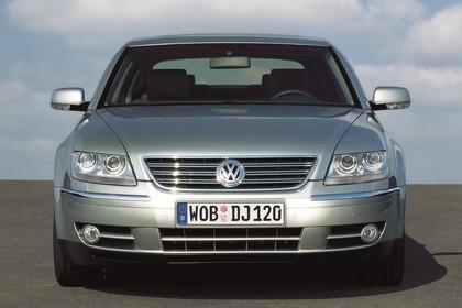 VW Phaeton 3D Facelift Aussenansicht Front statisch silber