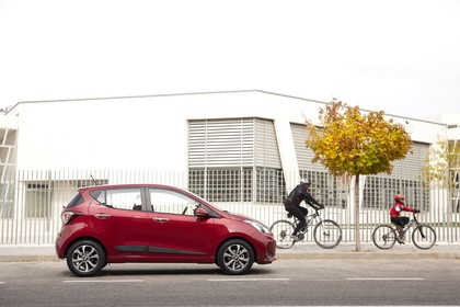 Hyundai i10 IA Aussenansicht Seite statisch rot