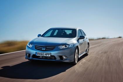 Honda Accord Limousine 8 Facelift Aussenansicht Front schräg dynamisch silber