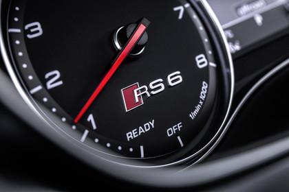 Audi RS6 Avant C7 Innenansicht Detail Kombiinstrument statisch schwarz
