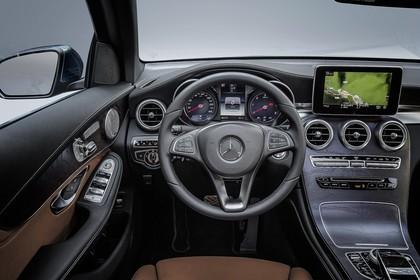 Mercedes GLX X253 Innenansicht Fahrerposition Studio statisch braun