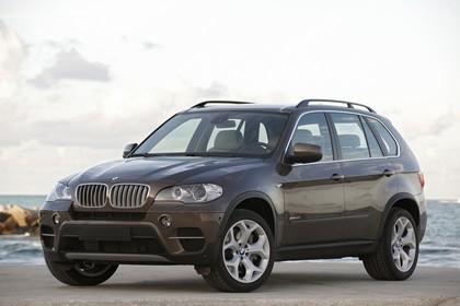 BMW X5 E70 LCI Aussenansicht Front schräg statisch braun