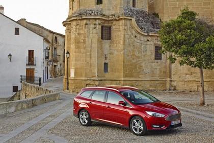 Ford Focus Turnier Mk3 Seite schräg statisch rot