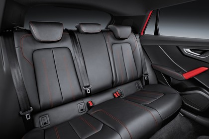 Audi Q2 Innenansicht Rücksitzbank Studio statisch schwarz