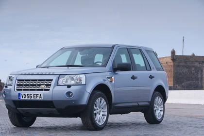 Land Rover Freelander 2 LF Aussenansicht Front schräg statisch silber