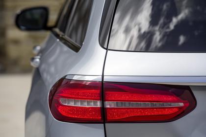 Mercedes W213 T-Model Aussenansicht Heck Detail Rückleuchte statisch silber