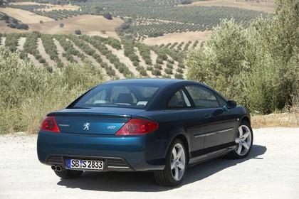 Peugeot 407 Coupé 6 Aussenansicht Heck schräg statisch blau