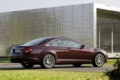 Mercedes CL C216 Aussenansicht Heck schräg statisch rot
