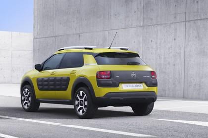 Citroën C4 Cactus Aussenansicht Heck schräg statisch gelb