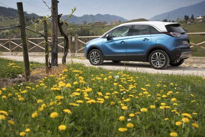 Opel Crossland X C Aussenansicht Seite schräg statisch blau