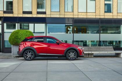 Mazda CX-3 DJ1 Aussenansicht Seite statisch rot