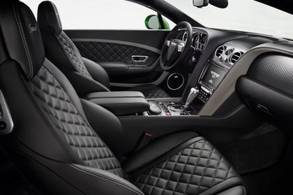 Bentley Continental GT Speed Innenansicht statisch Studio Vordersitze und Armaturenbrett beifahrerseitig