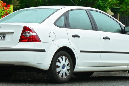 Forc Focus MK2 Limousine Aussenansicht Heck schräg statisch weiß