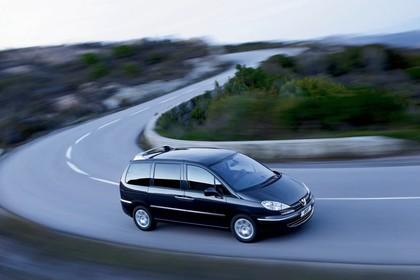 Peugeot 807 E Aussenansicht Seite schräg erhöht dynamisch schwarz