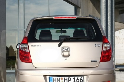 Hyundai i10 Aussenansicht Heck statisch silber