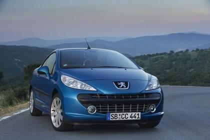 Peugeot 207 CC W Aussenansicht Front schräg statisch blau