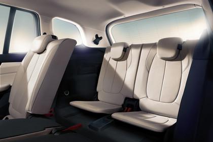BMW 2er Gran Tourer Innenansicht Rücksitzbank Studio statisch beige