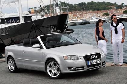 Audi A4 Cabrio B7 Aussenansicht Front schräg statisch silber