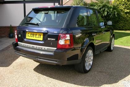 Land Rover Range Rover Sport LS Aussenansicht Heck schräg statisch schwarz