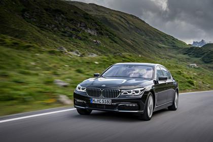 BMW 7er G11/G12 Aussenanansicht Front schräg dynamisch grau