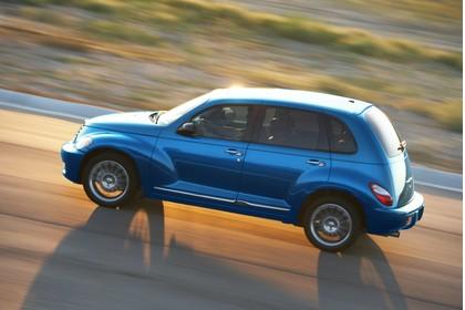 Chrysler PT Cruiser Facelift Aussenansicht Seite schräg dynamisch blau