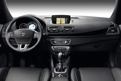 Renault Mégane CC Z Innenansicht statisch Studio Vordersitze und Armaturenbrett