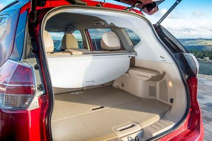 Nissan X-Trail T32 Aussenansicht Heck schräg statisch Heckklappe geöffnet