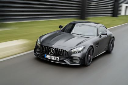 Mercedes-AMG GT C190 Aussenansicht Front erhöht dynamisch grau