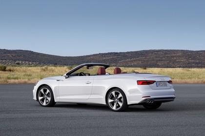 Audi A5 Cabriolet Aussenansicht Seite schräg statisch weiss