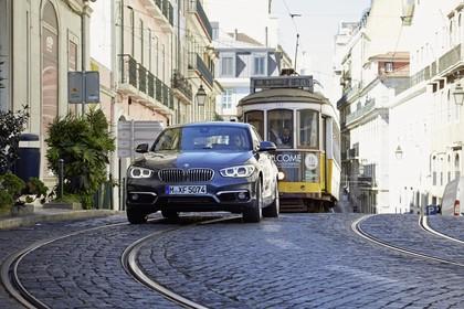 BMW 1er F20 Aussenansicht Front dynamisch grau