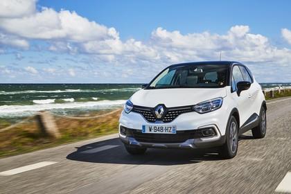Renault Captur R Aussenansicht Front schräg dynamisch weiss