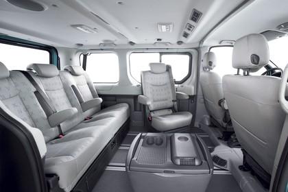 Renault Trafic II Facelift Innenansicht statisch Studio Innenraum