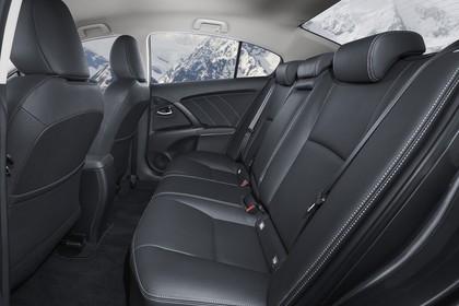 Toyota Avensis Limousine T27 Innenansicht statisch Rücksitze