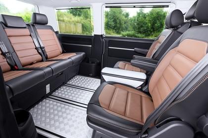 VW T6 Innenansicht Rücksitze statisch schwarz braun