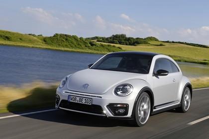 VW Beetle Aussenansicht Front schräg dynamisch weiss