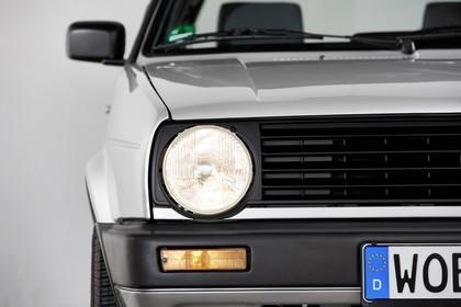 VW Golf 2 Studio Detail Aussenansicht Scheinwerfer statisch silber