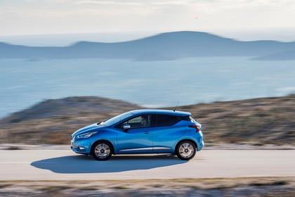 Nissan Micra K14 Aussenansicht Seite dynamisch blau