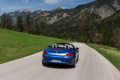 BMW Z4 E89 Aussenansicht Heck dynamisch blau