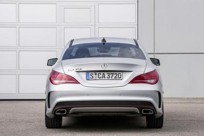 Mercedes CLA C117 Aussenansicht Heck statisch silber