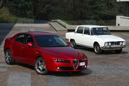Alfa Romeo 159 939 Aussenansicht Front schräg statisch rot
