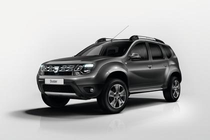 Dacia Duster SD Aussenansicht Front schräg statisch Studio grau