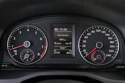 VW Caddy 4 Innenansicht Dateil Kombiinstrument statisch schwarz
