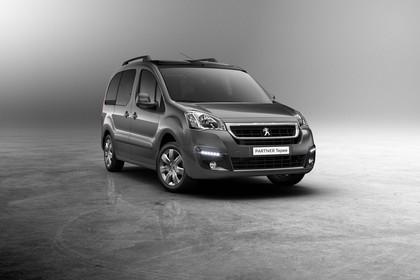 Peugeot Partner Tepee 2 Aussenansicht Front schräg statisch braun