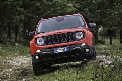 Jeep Renegade (BU) AussenansichtFront statisch omaha orange