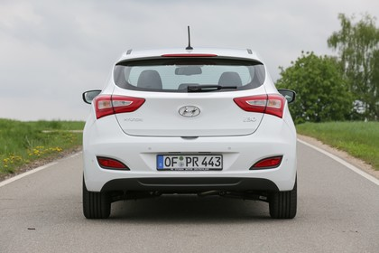 Hyundai i30 Coupe GD Aussenansicht Heck statisch weiss