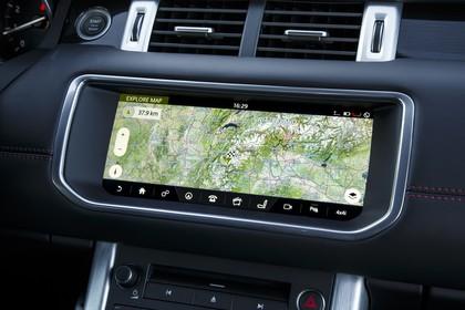 Land Rover Range Rover Evoque Cabrio L538 Innenansicht Detail statisch schwarz Entertainment
