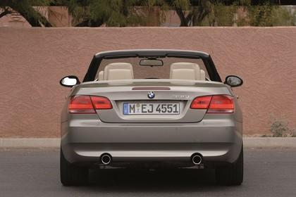 BMW 3er Cabriolet Aussenansicht Heck statisch beige